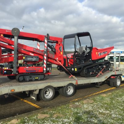 Safety Lift vracht met Hinowa machines onderweg voor afglevering