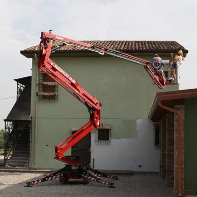 Schilderwerkzaamheden met Hinowa LL17.75 spinhoogwerker Hinowa spinhoogwerker van Safety Lift.