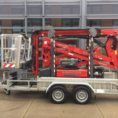 Hinowa LL15.70 spinhoogwerker van Safety Lift op aanhangwagen.