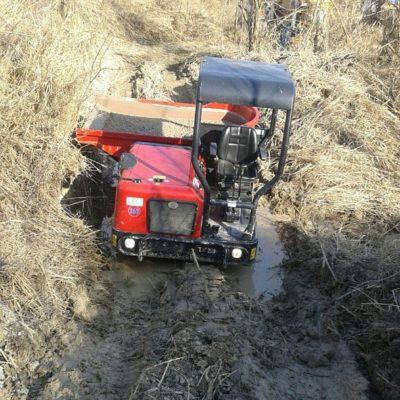 Grind vervoeren met een Hinowa TX2500 Traxporter van Safety Lift.